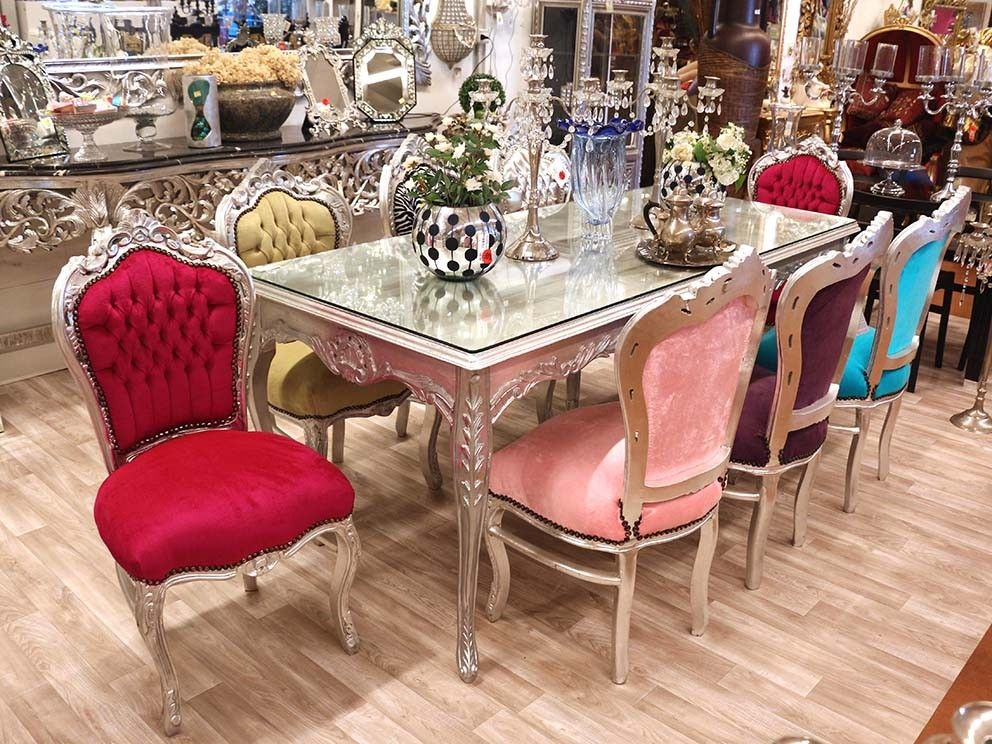 Tavolo argento barocco con sedie parigi barocco con colori moderni