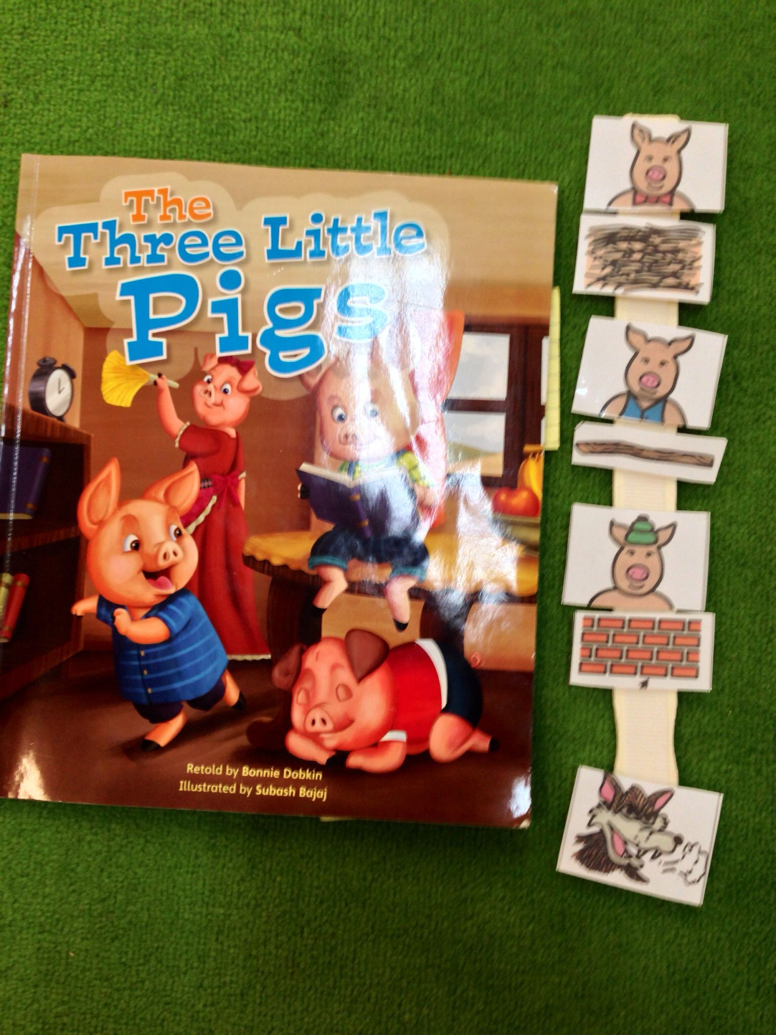 The Three Little Pigs Velcro Character Story Retell