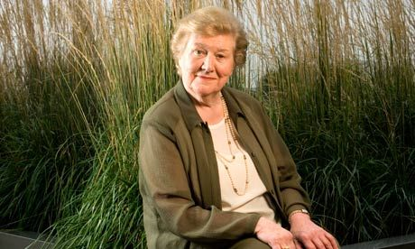patricia routledge 2016