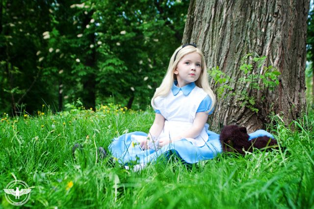 http://leportraitdelarose.blogspot.com/2013/11/cosplay-alice-in-wonderland.html