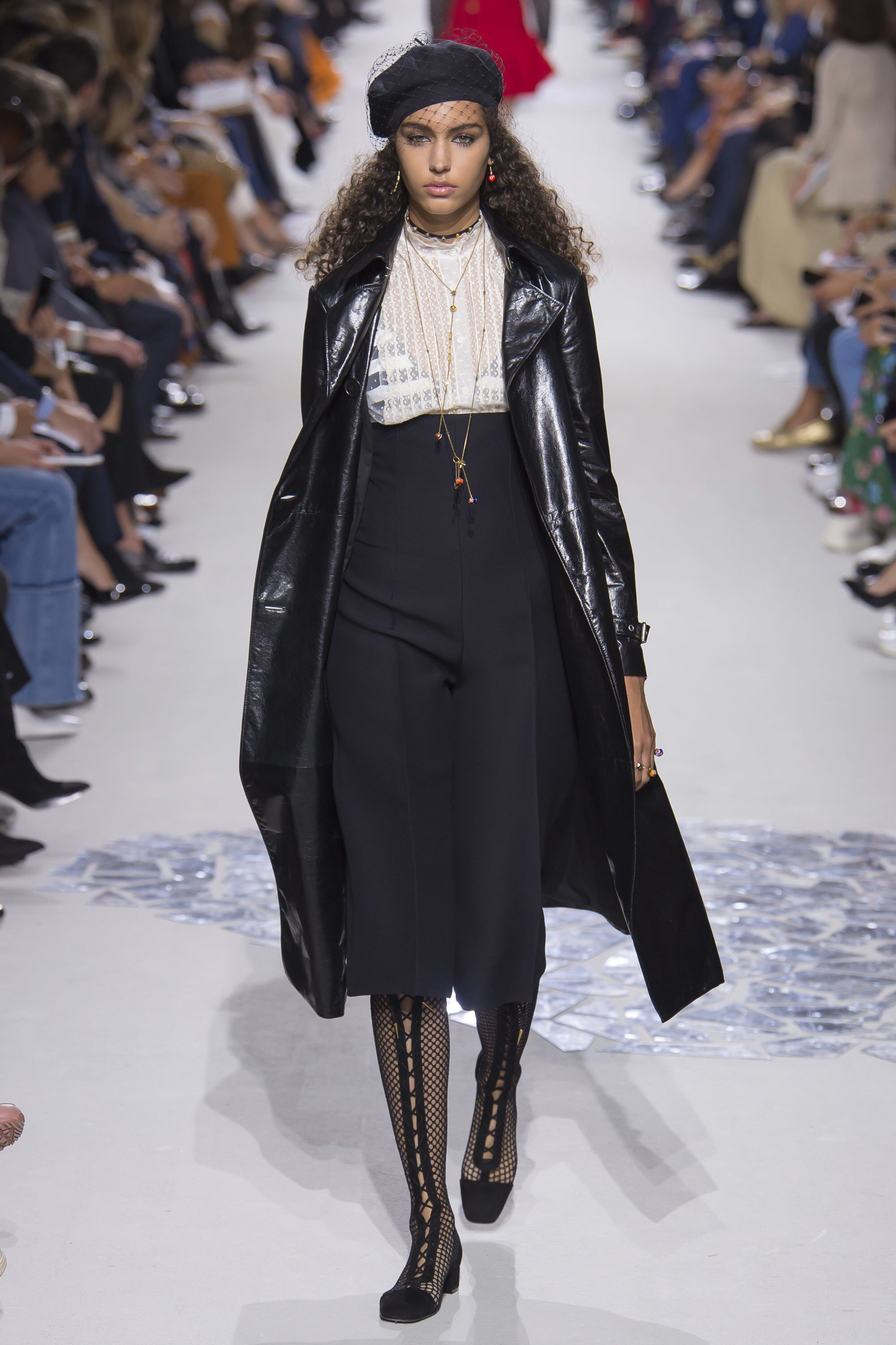 b9e491c17f916 Christian Dior Spring 2018 Ready-to-Wear Fashion Show Collection ...