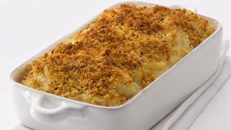 Add this mashed potato gratin to your French meal. A tasty side dish created with Progresso® chicken broth and bread crumbs.