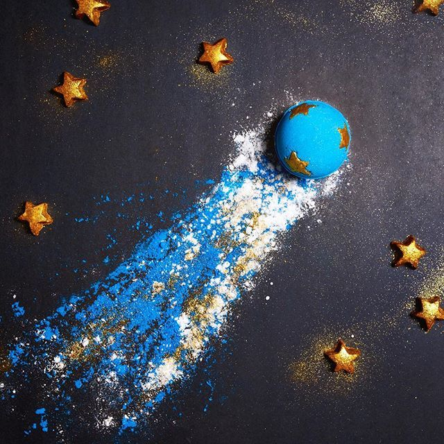 Fair trade cocoa butter and plastic-free glitter make up the bath melt stars in the Shoot For The Stars Bath Bomb.  ✨