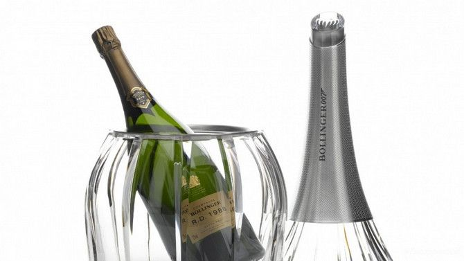 Champagne Bollinger Moves In For The Kill With The Spectre Crystal Set Champagne Bottle Bollinger Champagne