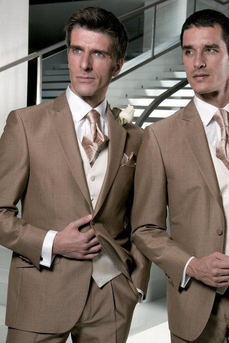 Hellbrauner Hochzeitsanzug Mit Seidenkrawatte Hochzeit Anzug