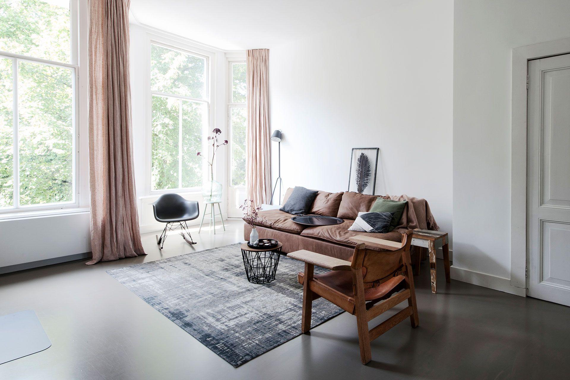 Exclusieve Gietvloer Woonkamer : Gemarmerde betonlook by residential flooring moderne woonkamer