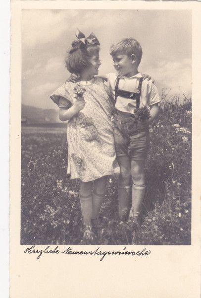 vintage foto als postkarte kinderpaar lederhose. Black Bedroom Furniture Sets. Home Design Ideas