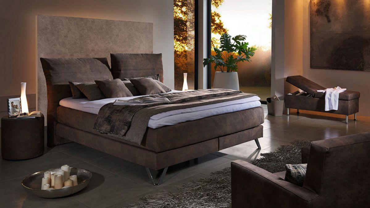 comfortmaster boxspringbett smaragd mit brauner stoffbezug gl nzender chromfu und. Black Bedroom Furniture Sets. Home Design Ideas