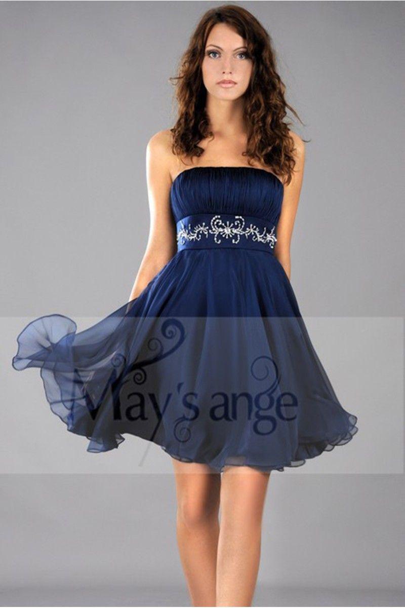 Robe blanche avec robe bleu