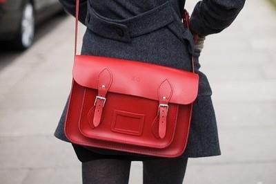 RED!! i want a RED bag!!