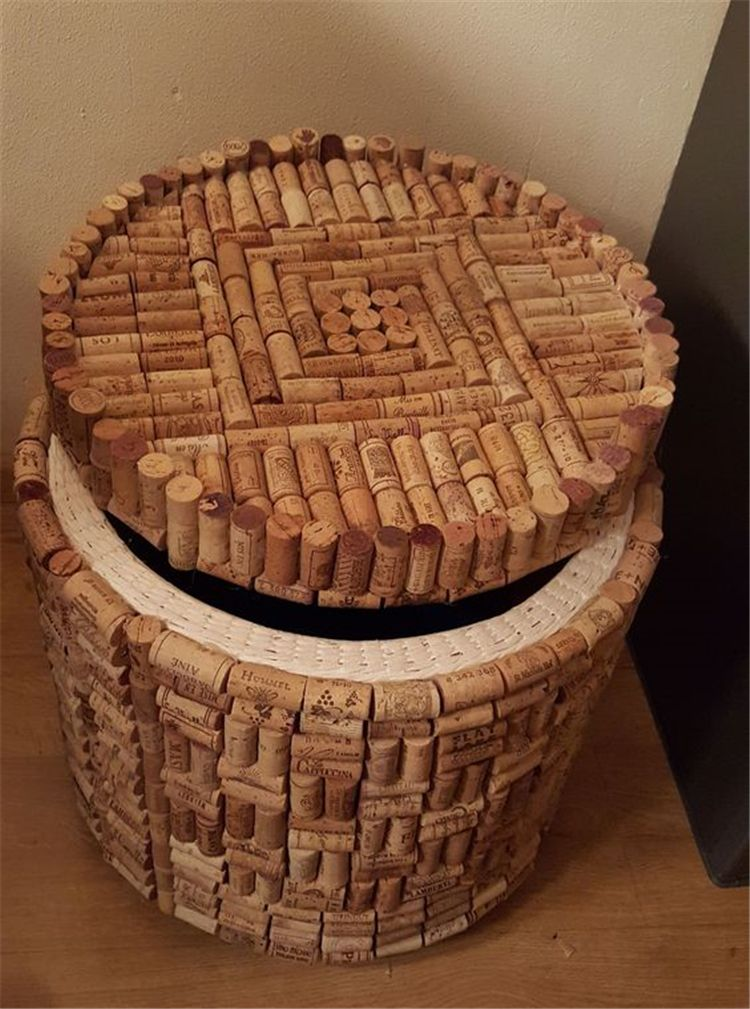 изделия из пробок от вина фото распространение получили железные