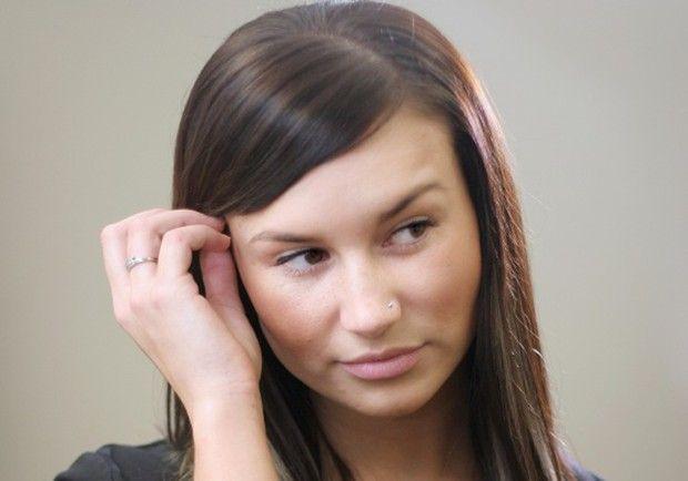 Avoiding eye contact attraction