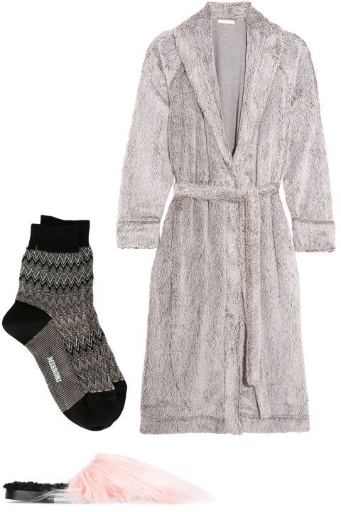 From cozy robes to winter coats and snow boots, your essential packing list for going home for holiday break: