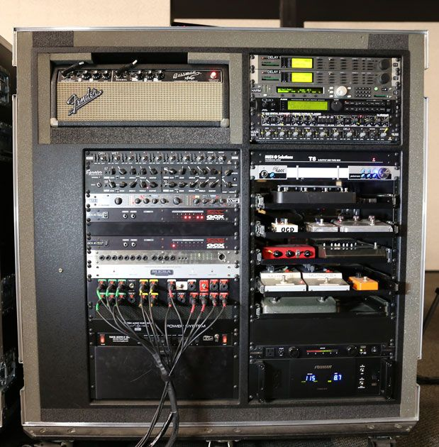 peter frampton's rack bass amps, guitar rack, professional audio,  pedalboard, dj equipment