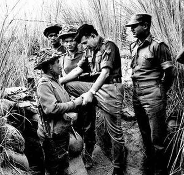 Gen Sam Manekshaw With Troops At The Western Front 1971 Indian Army Military Archives Rare Pictures