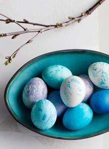 Kotiliesi - Pääsiäismunien maalaus kahdella tavalla