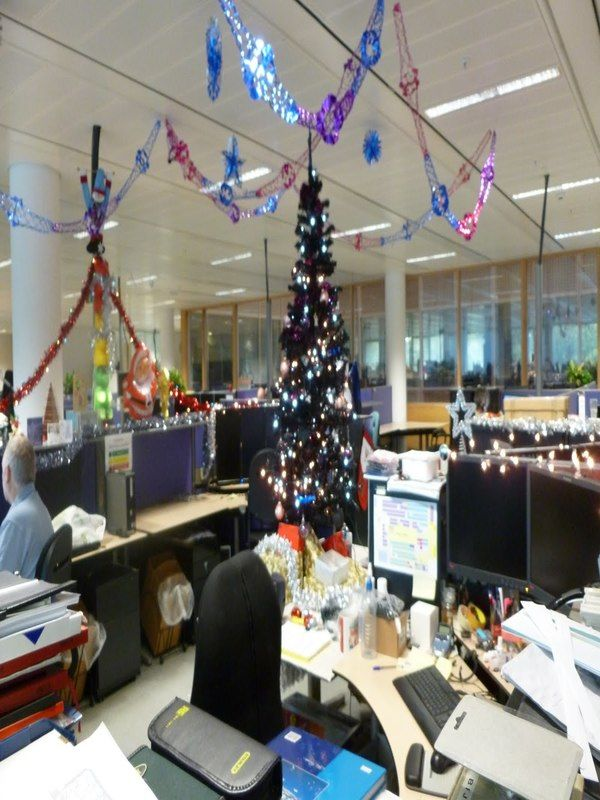 Top Office Christmas Decorating Ideas Christmas Celebration All About Christmas Office Christmas Decorations Office Decorating Themes Office Christmas