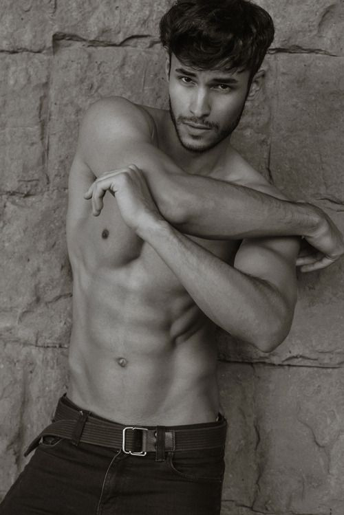 """homotography:  Renato Freitas by Serge Lee   """