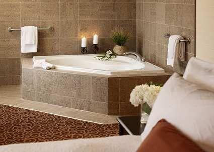 hampton innhilton north bay ontario hotel, canada - whirlpool