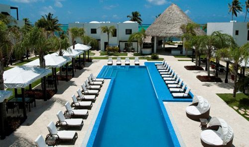 Las Terrazas Resort & Residences on Ambergris Caye has become the tropical country of Belize's most popular location for the perfect romantic wedding.