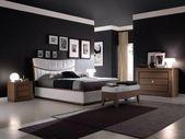 Photo of Decorazione da parete nera per camera da letto