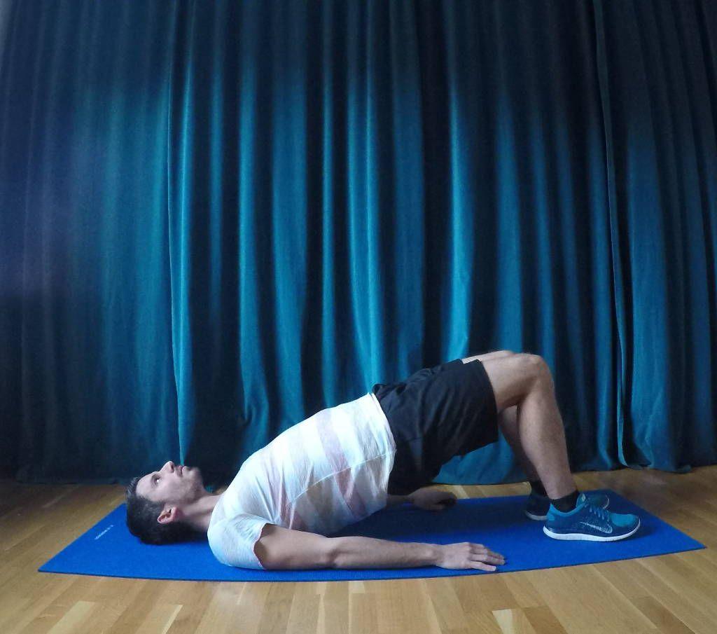 Diese Übung hilft beim Läuferknie Stärkung der Rumpf-Muskulatur ...
