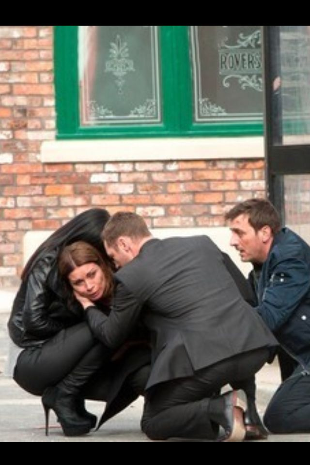 Poor Carla lost her baby cause of Tina an Peters affair