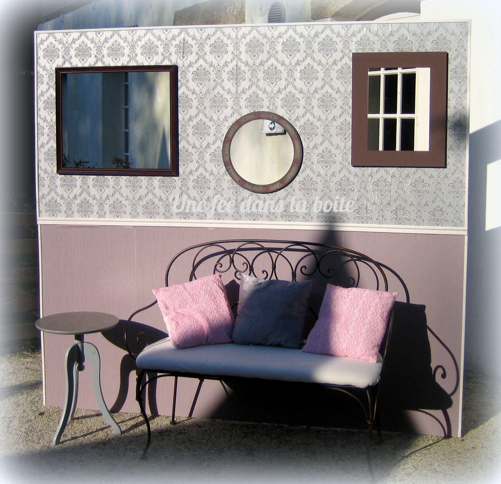 mariage romantique en rose gris et jaune pale le d cor photobooth et ses cadres trous en. Black Bedroom Furniture Sets. Home Design Ideas