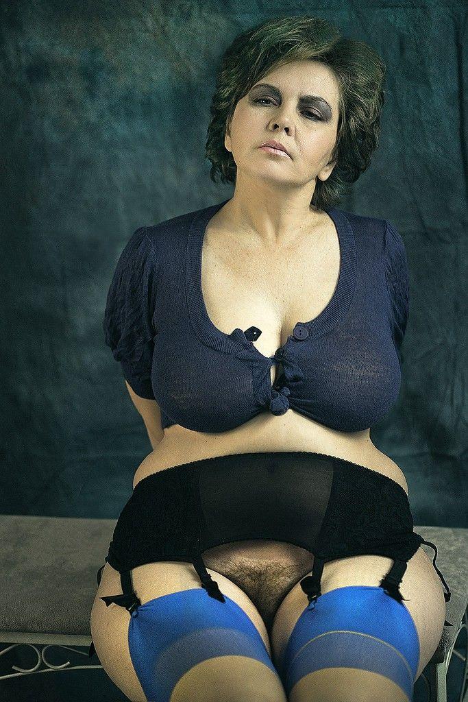 Pin on curvy women ️