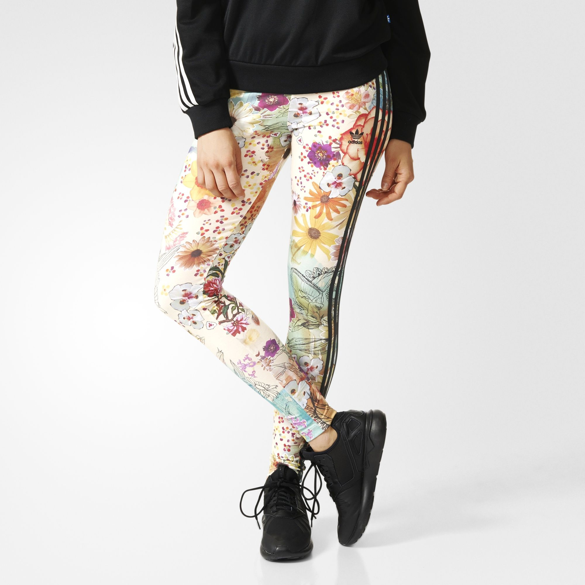 292d167643e7d Designed in collaboration with Brazil's The FARM Company, these women's  leggings have a vibrant floral print inspired by the lush beauty of Rio de  Janeiro's ...