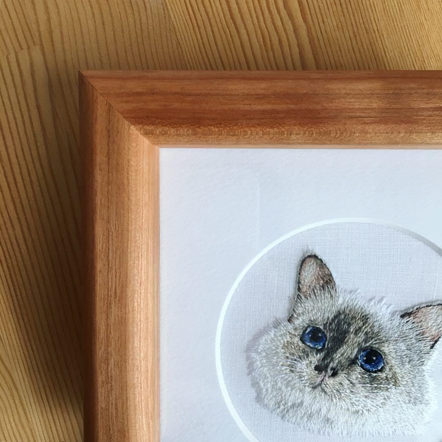 展示会のお知らせ 11 16 Fri 18 Sun 12 00 18 00 茅ヶ崎マーヴィスタガーデン Shack にて開催します 手刺繍 のわんちゃん ネコさん ウサギさんがお待ちしております どうぞ遊びにい Embroidery Works Embroidery Decor
