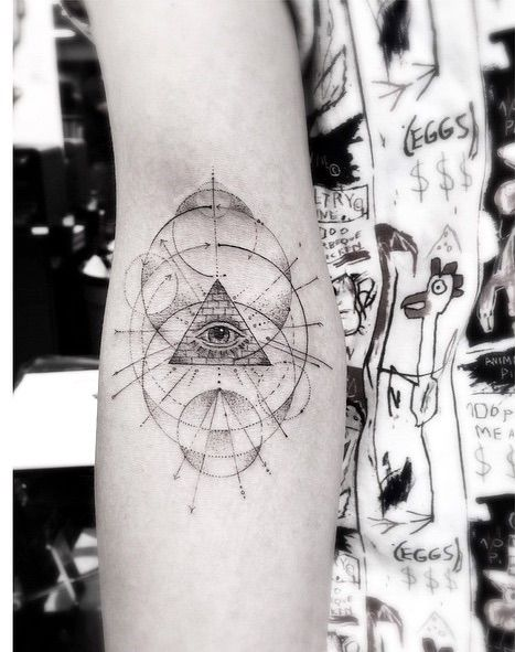 Having Inked Such Celebrities As Drake Ellie Goulding And Cara Delevingne Dr Woo Is One Of The Most In Demand T Geometric Tattoo Line Tattoos Dr Woo Tattoo