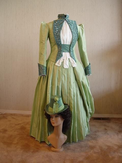 ChristineHallDesigns Mina Harkers Green Walking Gown Cinema Dress Bram Stokers Dracula