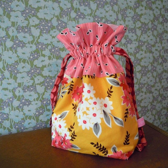 A Crafty Hen Folksy Floral Cosmetic Jewellery Knitting Drawstring Bag