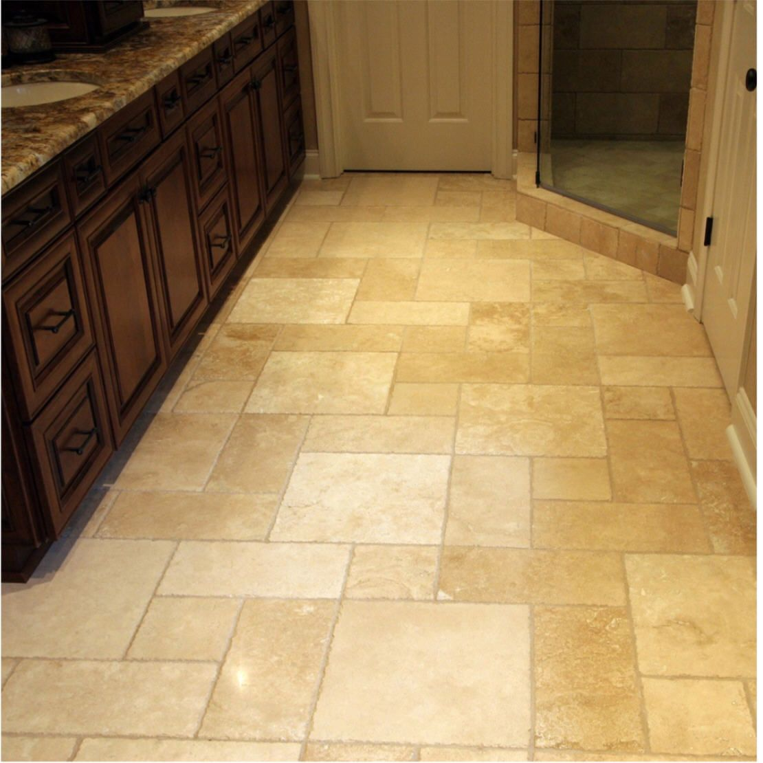 Travertine tile floor pattern called hopscotch for Bathroom flooring options