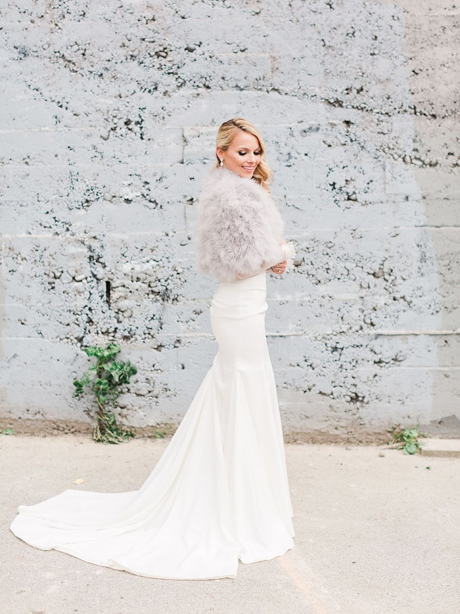 27 Elegant Winter Wedding Dresses You Can Shop Now Winter Wedding Dress Winter Wedding Gowns Fur Wedding Dress [ 1200 x 900 Pixel ]