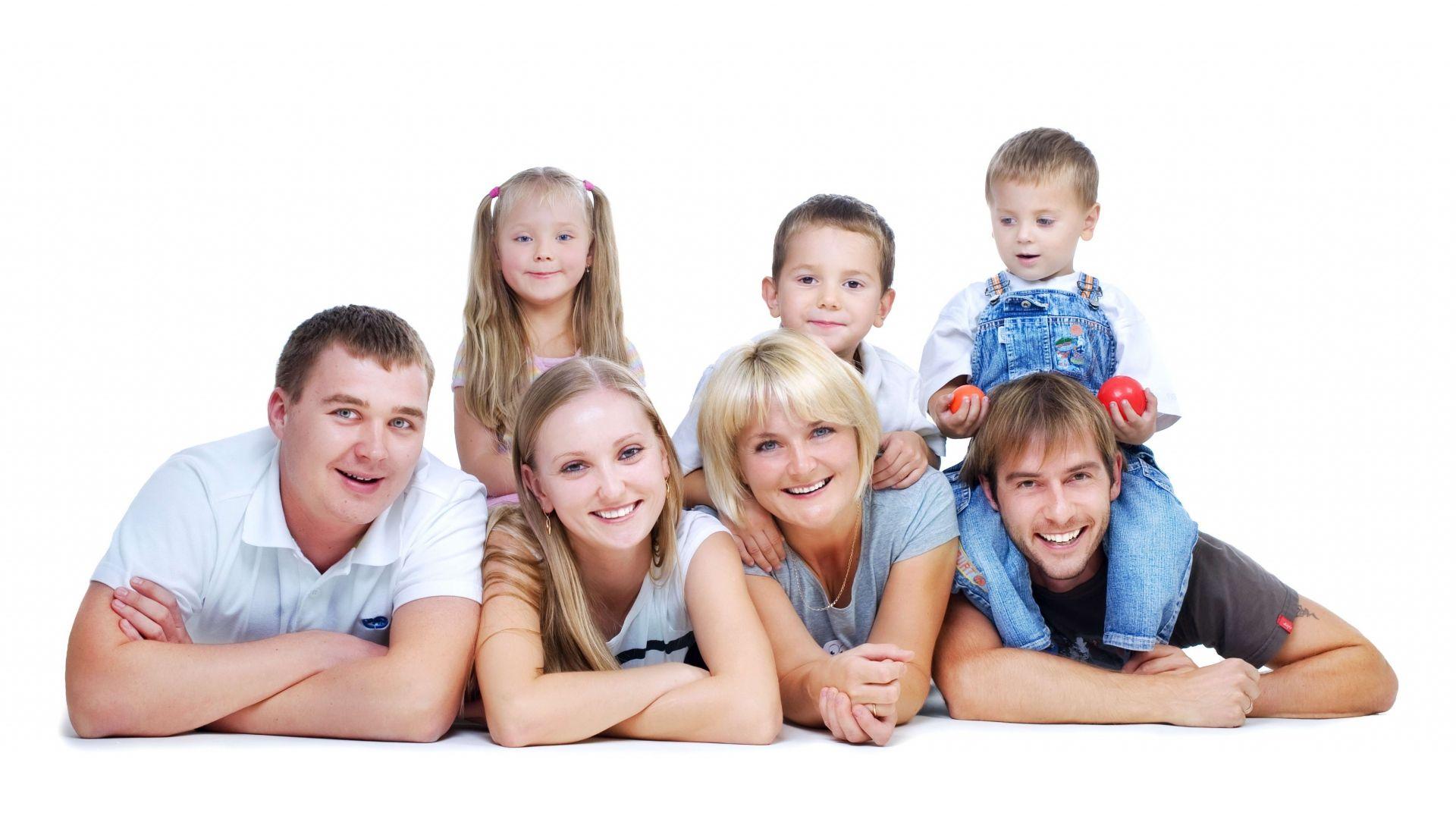 Big Happy Family Wallpaper Hd 1080p High Resolution Wallpaper Full
