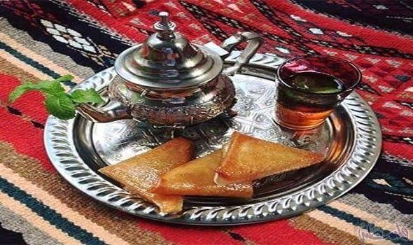 الآواني النحاسية لا غنى عنها في سهرات رمضان في الجزائر Food Breakfast Desserts