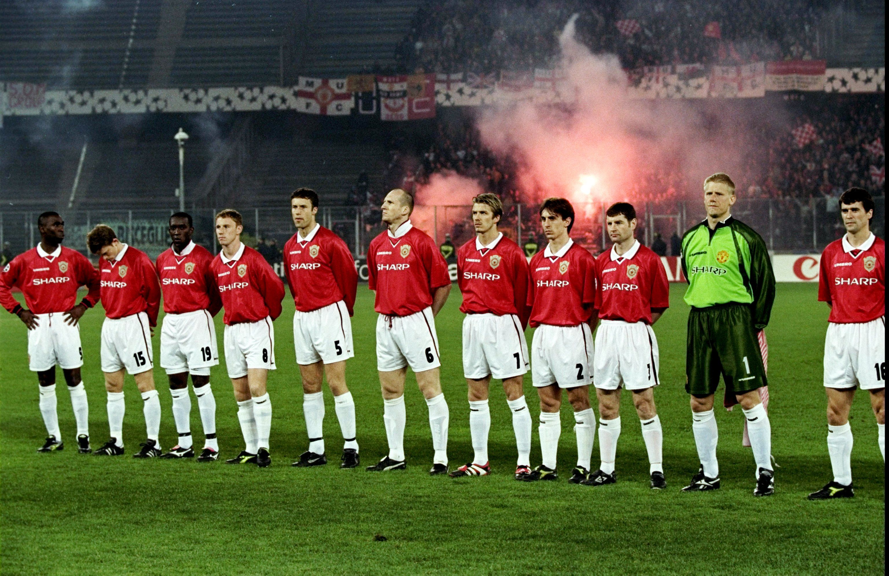 Manutd Prepare To Face Juventus In The 1999 Champions League Semi Final At The Stade Delle Alpi In Manchester United Football Club Manchester United The Unit