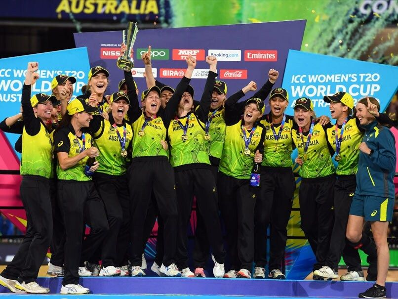 Ind Vs Aus Australia Beat India In Final To Clinch Record Extending 5th Women S T20 World Cup In 2020 Australia Cricket Team Cricket Teams World Cup