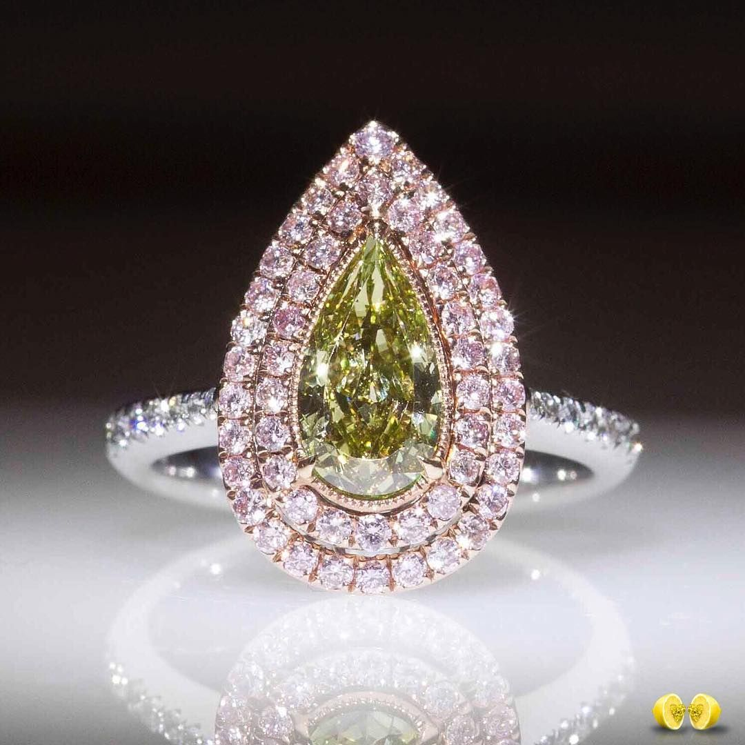 A stunning combination of rarity, results in a magnificent ring with spectacular fancy color diamonds! Contact #Novel experts in fancy color diamonds for more information   #NovelCollection #NovelCollectionAsia #NaturalNovel #FancyPinkDiamond #Diamond #LooseDiamonds #Diamonds #FancyColorDiamond #PearShaped #PinkDiamond #RingsOfInstagram #JewelryOfInstagram #HighJewellery #DiamondRings #DiamondJewelry #EngagementRing #Shanghai #Singapore #Tokyo #TelAviv #Taiwan #Dubai