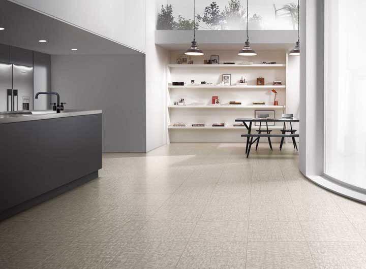 A facilidade de instalação e limpeza tornam o revestimento ideal para qualquer ambiente.