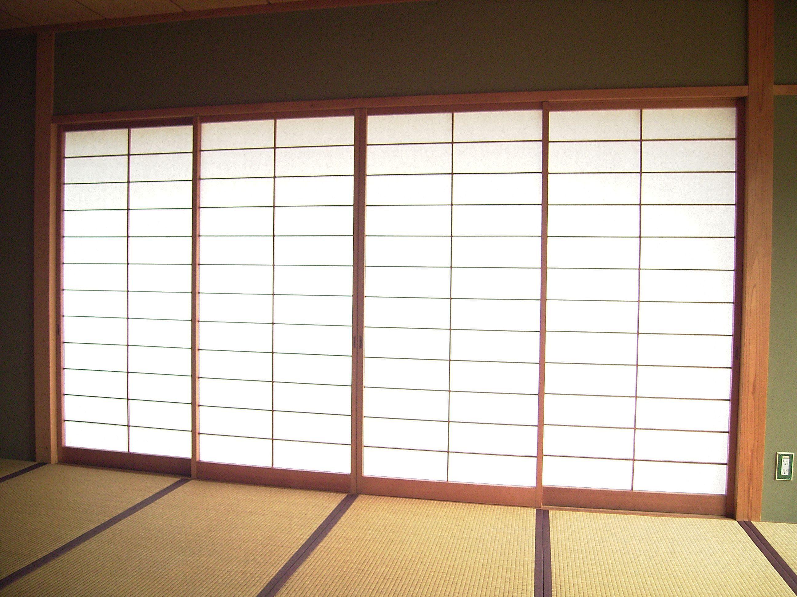 Elegant Traditional Style Wooden Japanese Sliding Door