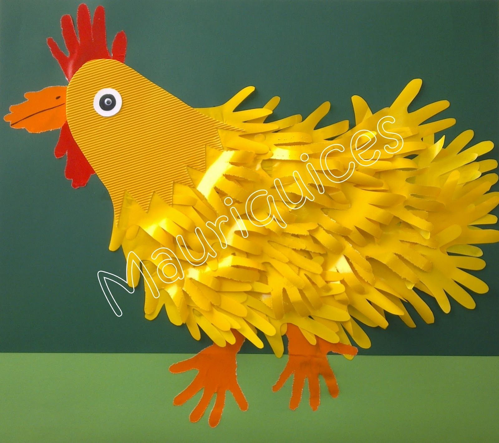 Canção   Doidas, doidas, andam as galinhas   Para pôr o ovo lá no buraquinho   Raspam, raspam, raspam   P'ra alisar a terra   Picam, picam,...