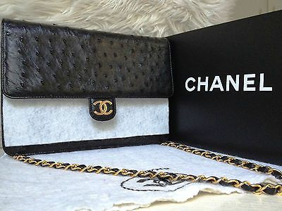 RARE-NEW-100-Auth-CHANEL-Black-Ostrich-Leather-Gold-Chain-9-5-Flap-Clutch-Bag