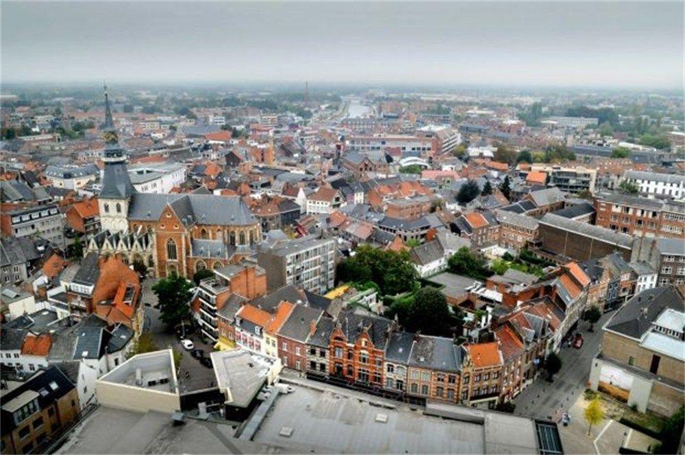 Hasselt - mais uma cidade belga pra minha lista.
