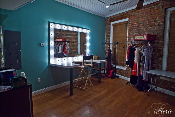 Photography Studio Dressing Rooms In Addition Bruce ... on Make Up Room Design  id=40878