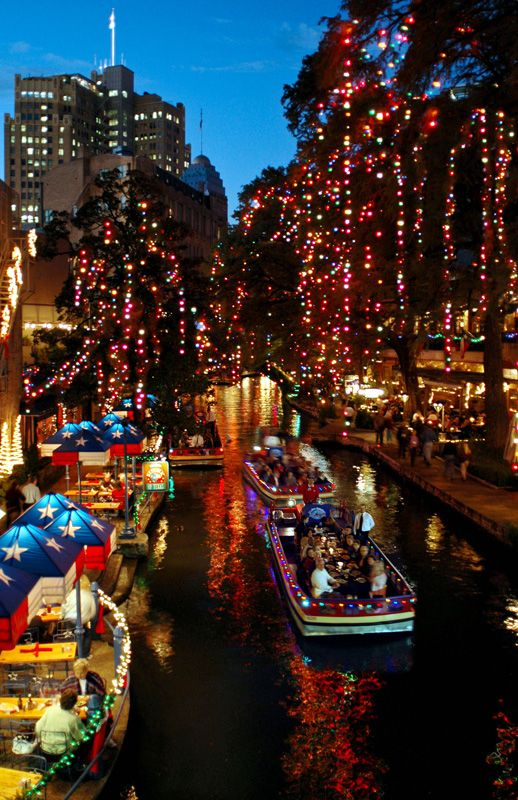San Antonio Riverwalk! Ford Holiday River Parade is the