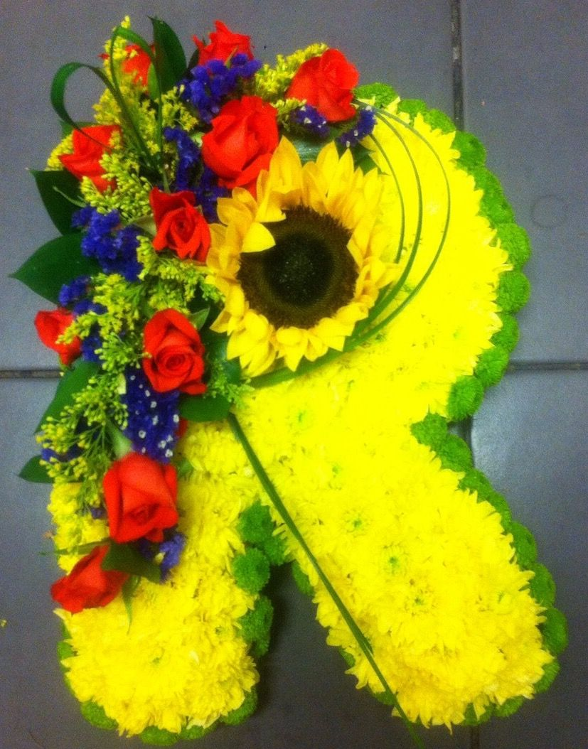 Letter r funeral tribute funeral flowers yellow chrysanthemum letter r funeral tribute funeral flowers yellow chrysanthemum base and green edging izmirmasajfo