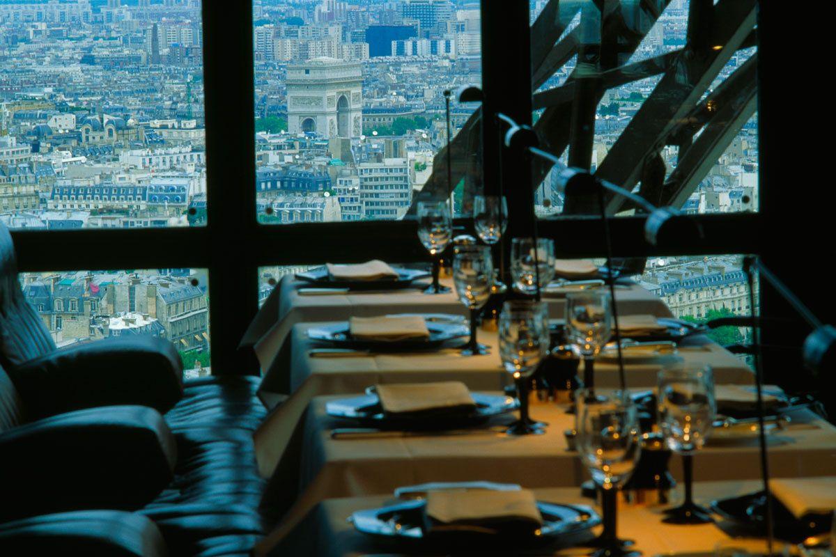 Le Jules Verne (París)